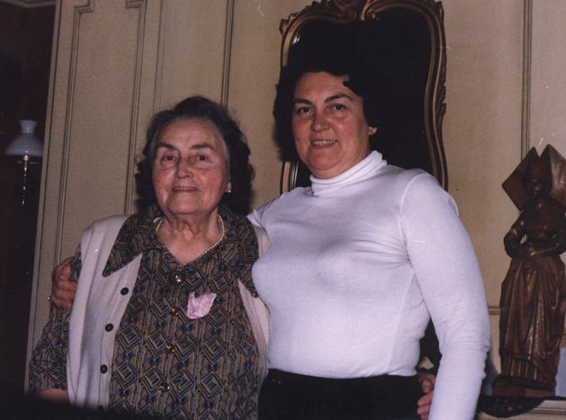 When Jenny Verlinden, left, was 18, she was a Belgian refugee who came to live in Eldon. Her daughter Germaena is on the right.